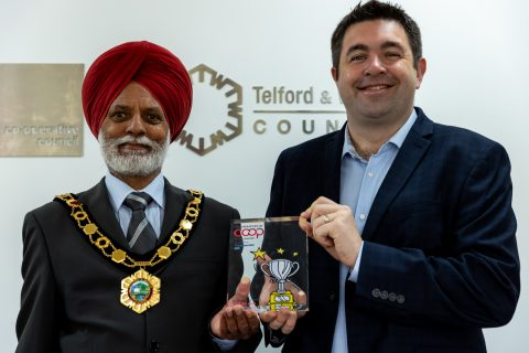 Mayor of Telford & Wrekin Council, Councillor Amrik Jhawar with Leader of Telford & Wrekin Council, Councillor Shaun Davies with the national award for Co-operative Council of the Year 2021.